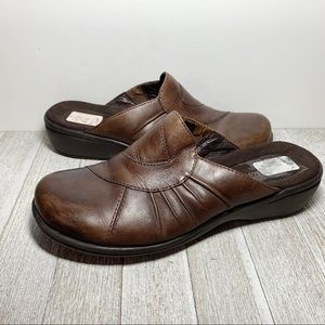 Clarks Artisan Brown Leather Slip Ons Mules